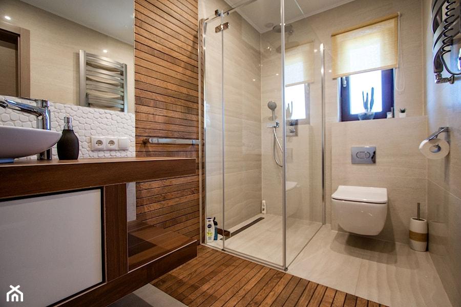Łazienka w ciepłej stylizacji - zdjęcie od Pracownia Projektowania Wnętrz Małgorzata Czapla