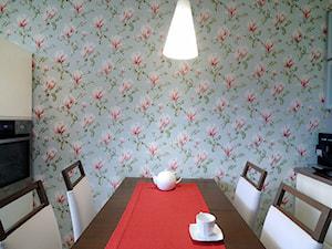 Mieszkanie z nutą Art deco - Mała zamknięta wąska kolorowa kuchnia dwurzędowa, styl nowoczesny - zdjęcie od Artema Pracownia Architektury Wnętrz Agnieszka Krawczyk