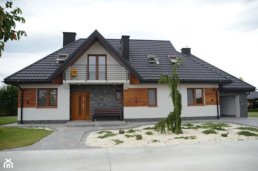 Elewacja domu jednorodzinnego - Nowoczesne domy, styl nowoczesny - zdjęcie od OptimumArt Pracownia Aranżacji Wnętrz