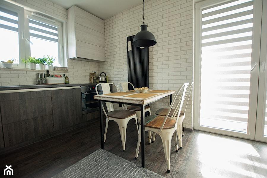 Mała otwarta jadalnia w kuchni, styl industrialny - zdjęcie od Marta Witkowska-Kozera m Art ...