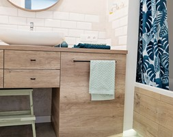 Inwestycja na Wilanowie - Średnia beżowa łazienka dla dzieci bez okna, styl industrialny - zdjęcie od KRUBA DESIGN