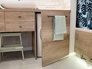 Średnia biała beżowa łazienka dla dzieci, styl industrialny - zdjęcie od KRUBA DESIGN