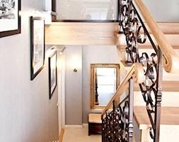 Aranżacja klatki schodowej - kuta balustrada stalowa - zdjęcie od jms STUDIO s.c.