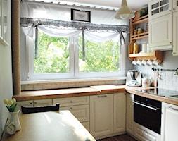 Mała kuchnia w bloku - Kuchnia, styl rustykalny - zdjęcie od commisura