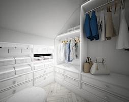 Classic beauty - Średnia zamknięta garderoba na poddaszu, styl klasyczny - zdjęcie od TEMA Architekci - Homebook