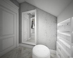 Classic beauty - Średnia zamknięta garderoba na poddaszu oddzielne pomieszczenie, styl klasyczny - zdjęcie od TEMA Architekci - Homebook