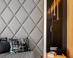 Wnętrze dla miłośników sztuki współczesnej - Sypialnia, styl nowoczesny - zdjęcie od ROOM STUDIO - Homebook