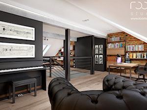 Męski gabinet - Duże czarne białe biuro kącik do pracy, styl tradycyjny - zdjęcie od ROOM STUDIO