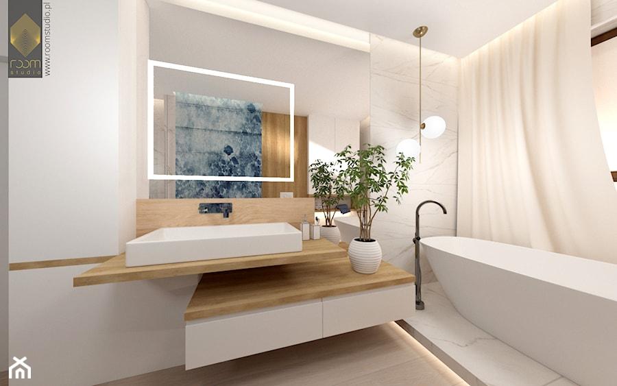 Łazienka z wanną - Średnia biała łazienka w bloku w domu jednorodzinnym z oknem, styl nowoczesny - zdjęcie od ROOM STUDIO