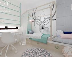 Dziewczęce pokoje - Mały biały szary zielony pokój dziecka dla chłopca dla dziewczynki dla ucznia dla malucha dla nastolatka, styl skandynawski - zdjęcie od ROOM STUDIO