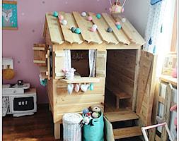 POKÓJ NASZEJ CÓRKI - Duży szary różowy pokój dziecka dla chłopca dla dziewczynki dla rodzeństwa dla malucha, styl art deco - zdjęcie od Domek Za Lasem