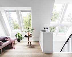 Poddasze - Inspiracje VELUX - Salon, styl skandynawski - zdjęcie od VELUX - Homebook