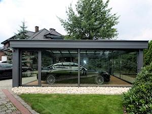 Garaż ogrodowy :) - Ogród, styl nowoczesny - zdjęcie od ALPINA Ogrody zimowe ,. oranżerie, zadaszenia, szkło architektoniczne