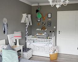 Kącik malucha w sypialni - zdjęcie od od inspiracji do realizacji