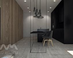 Projekt wnętrz mieszkania, Poznań 2013 rok - Średnia otwarta biała czarna kuchnia dwurzędowa w aneksie z wyspą - zdjęcie od Ania Masłowska
