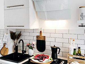 SKOORKI: okap Vintio 60 White w kuchni Skoorki