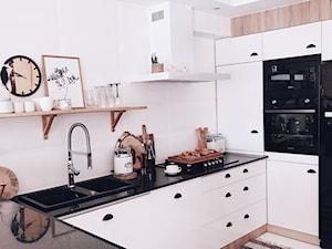 DOMEK ZA LASEM: okap Nidaro 90 White w kuchni projektu @domekzalasem