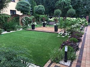 Ogród wiecznie skąpany w słońcu - zdjęcie od Ewa Szumowska