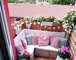 #piękny balkon - Mały taras z tyłu domu - zdjęcie od Beata Zagórska 4