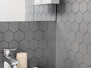 łazienka z hexami