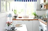 wąski stół do małej kuchni