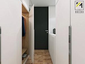 Nowoczesny dwupoziomowe mieszkanie w Głogowie - Mała otwarta garderoba, styl minimalistyczny - zdjęcie od kreska.studio