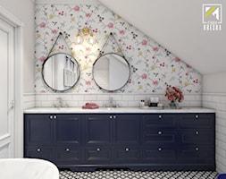 Dom w stylu klasycznym - Średnia beżowa łazienka na poddaszu w domu jednorodzinnym bez okna - zdjęcie od kreska.studio