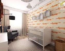 ARANŻACJA MIESZKANIA WE WROCŁAWIU - Średni beżowy pomarańczowy pokój dziecka dla chłopca dla malucha, styl skandynawski - zdjęcie od kreska.studio