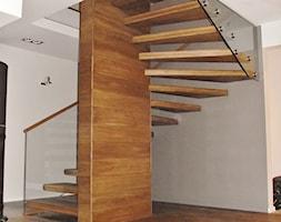 Schody+wspornikowe+-+zdj%C4%99cie+od+LEGAR+-+stolarstwo%2C+schody+i+pod%C5%82ogi+z+drewna