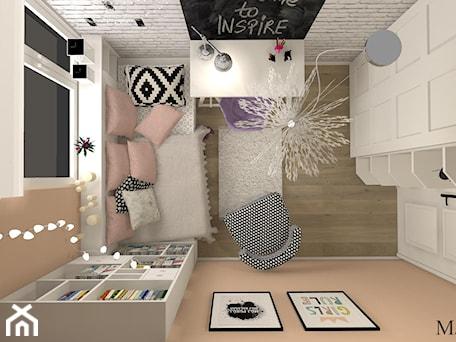 Pokój Eli - Mały szary brązowy pokój dziecka dla dziewczynki dla ucznia dla nastolatka, styl prowansalski - zdjęcie od mj-atelier.com