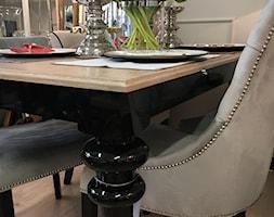 Sklep w Gdyni - Mały szary salon z jadalnią, styl nowojorski - zdjęcie od MODERN CLASSIC HOME - Homebook