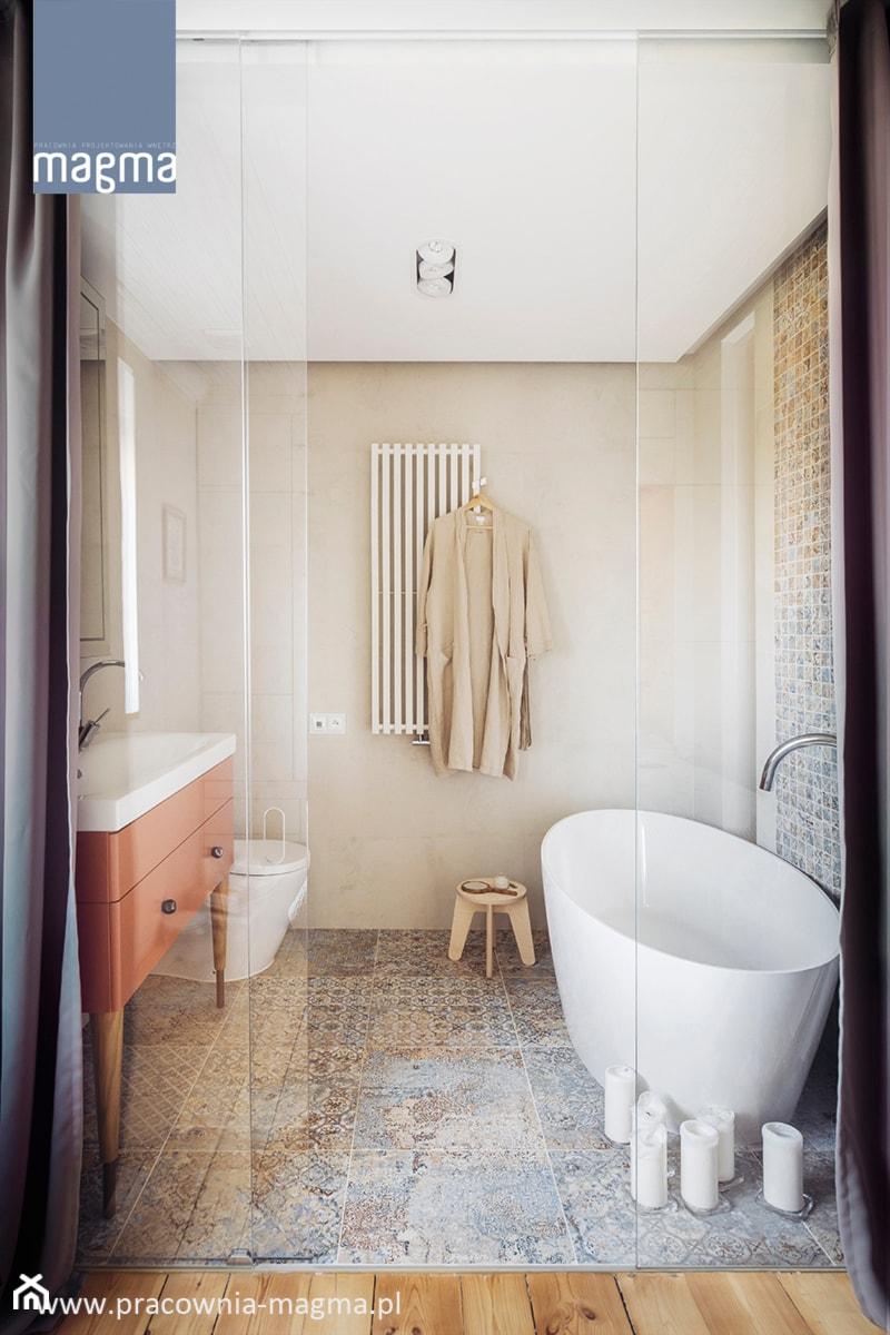 MODERNISTYCZNY APARTAMENT W CENTRUM GDYNI - Średnia beżowa łazienka, styl nowoczesny - zdjęcie od magma pracownia wnętrz