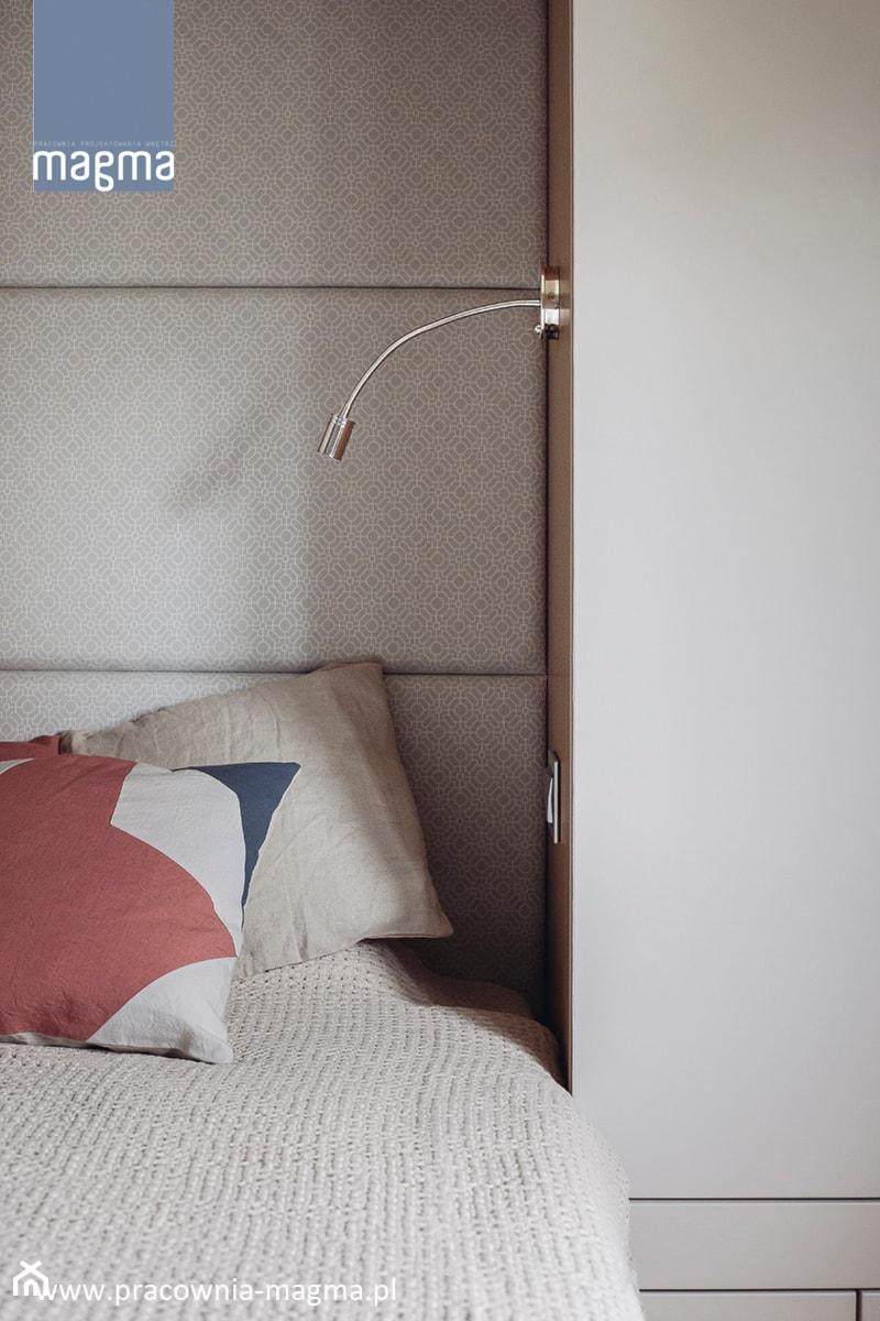 MODERNISTYCZNY APARTAMENT W CENTRUM GDYNI - Sypialnia, styl nowoczesny - zdjęcie od magma pracownia wnętrz
