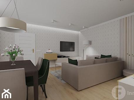 Aranżacje wnętrz - Salon: Parterowy dom pod Krakowem - Salon, styl klasyczny - InnerForms. Przeglądaj, dodawaj i zapisuj najlepsze zdjęcia, pomysły i inspiracje designerskie. W bazie mamy już prawie milion fotografii!