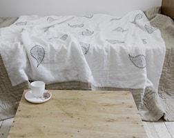 ręcznie pikowana lniana narzuta z haftem - zdjęcie od dom artystyczny