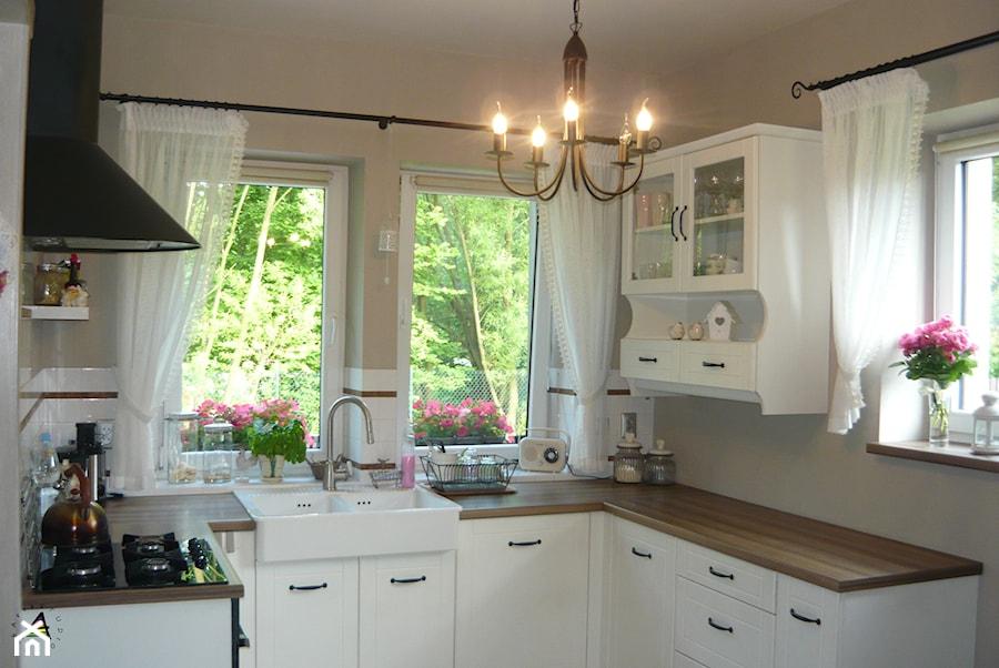 kuchnia prowansalska  Mała otwarta kuchnia w kształcie   -> Kuchnia Prowansalska Wyprzedaż