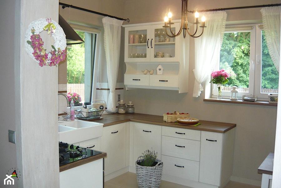 kuchnia prowansalska  Mała otwarta kuchnia w kształcie   -> Kuchnia Prowansalska Inspiracje
