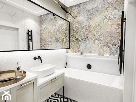 Aranżacje wnętrz - Łazienka: PROJEKT ŁAZIENKI - 6m2 - Średnia biała szara łazienka w bloku w domu jednorodzinnym bez okna, styl vintage - BIBI. Przeglądaj, dodawaj i zapisuj najlepsze zdjęcia, pomysły i inspiracje designerskie. W bazie mamy już prawie milion fotografii!