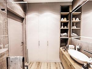 ŁAZIENKA - IRON BRONZE ŁÓDŹ 2019 - Średnia brązowa szara łazienka bez okna, styl vintage - zdjęcie od BIBI
