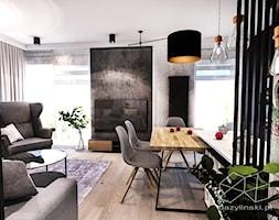 PROJEKT MIESZKANIA - ŁÓDZ 2018 - Mały szary czarny salon z jadalnią - zdjęcie od BIBI