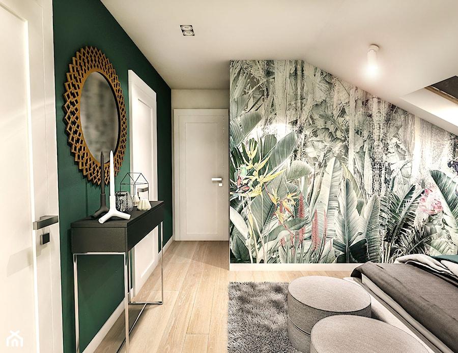Projekt wnętrza domu pod Sewillą - Średnia biała szara zielona sypialnia małżeńska na poddaszu, styl skandynawski - zdjęcie od BIBI