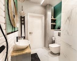 PROJEKT MAŁEJ ŁAZIENKI w Kamienicy - Wawa - Mała szara zielona łazienka w bloku w domu jednorodzinnym bez okna, styl rustykalny - zdjęcie od BIBI