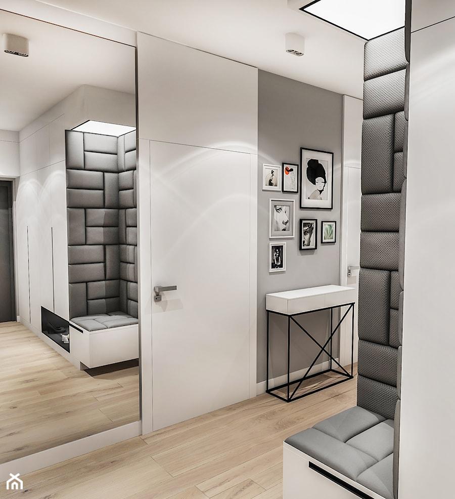 Aranżacje wnętrz - Hol / Przedpokój: Projekt Mieszkania W-wa 2019 - Duży szary hol / przedpokój - BIBI. Przeglądaj, dodawaj i zapisuj najlepsze zdjęcia, pomysły i inspiracje designerskie. W bazie mamy już prawie milion fotografii!