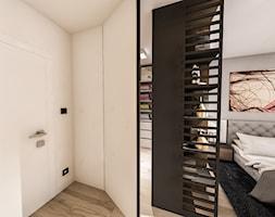 Projekt mieszkania - Austria 2017 - Średnia zamknięta garderoba przy sypialni - zdjęcie od BIBI