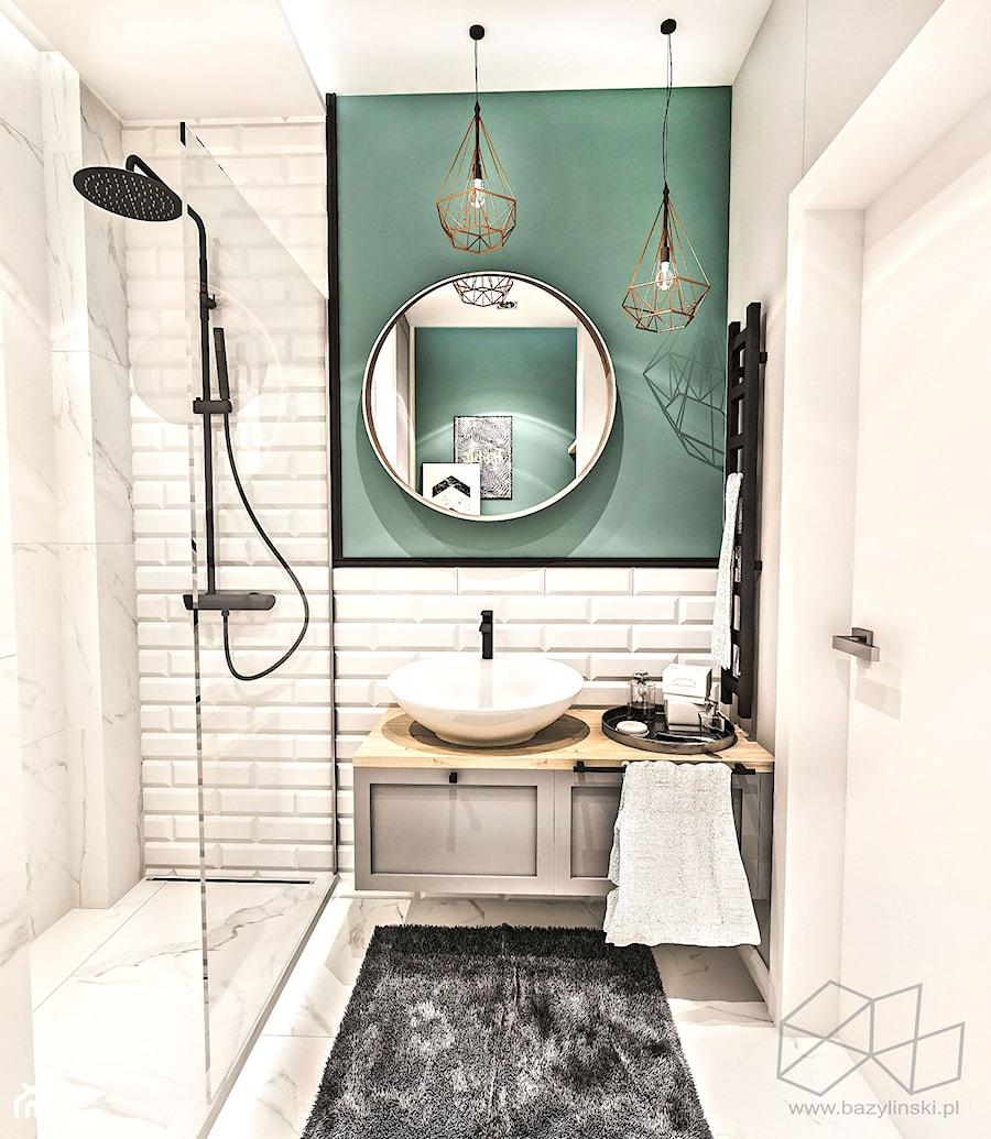 PROJEKT MAŁEJ ŁAZIENKI w Kamienicy - Wawa - Mała szara zielona łazienka w bloku w domu jednorodzinnym bez okna, styl nowojorski - zdjęcie od BIBI
