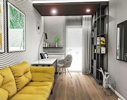 PROJEKT MIESZKANIA - LDZ 2018 - Średnie czarne szare białe biuro domowe kącik do pracy w pokoju - zdjęcie od BIBI