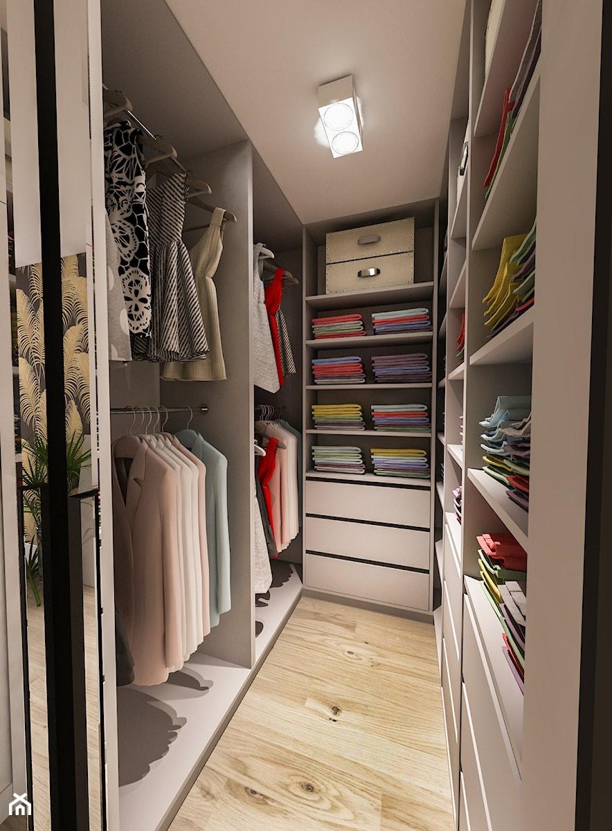 Projekt mieszkania - Austria 2017 - Mała zamknięta garderoba oddzielne pomieszczenie - zdjęcie od BIBI
