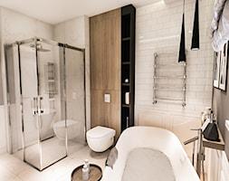 PROJEKT WNĘTRZ DOMU POD WARSZAWĄ 2018 - Średnia szara łazienka w domu jednorodzinnym jako domowe spa bez okna - zdjęcie od BIBI