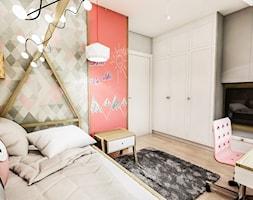 Projekt mieszkania - Gdańsk 2019 r. - Średni szary pokój dziecka dla dziewczynki dla ucznia dla malucha dla nastolatka, styl vintage - zdjęcie od BIBI