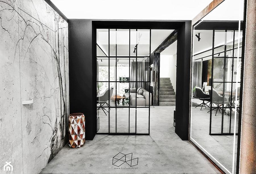 PROJEKT DOMU -PABIANICE 2018 - Duży czarny szary hol / przedpokój, styl industrialny - zdjęcie od BIBI